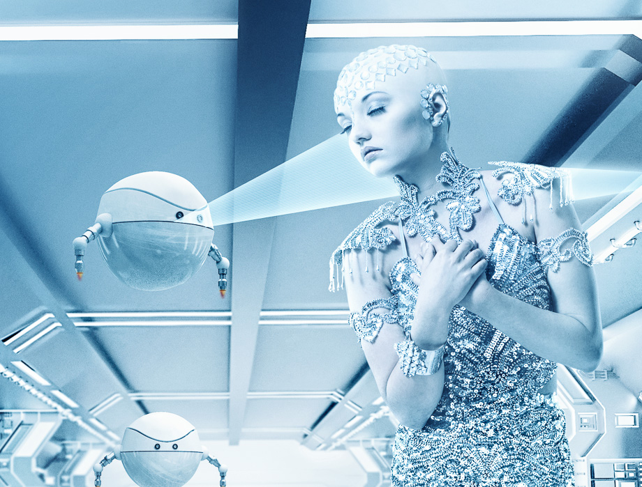 Spacegirl with robots-8